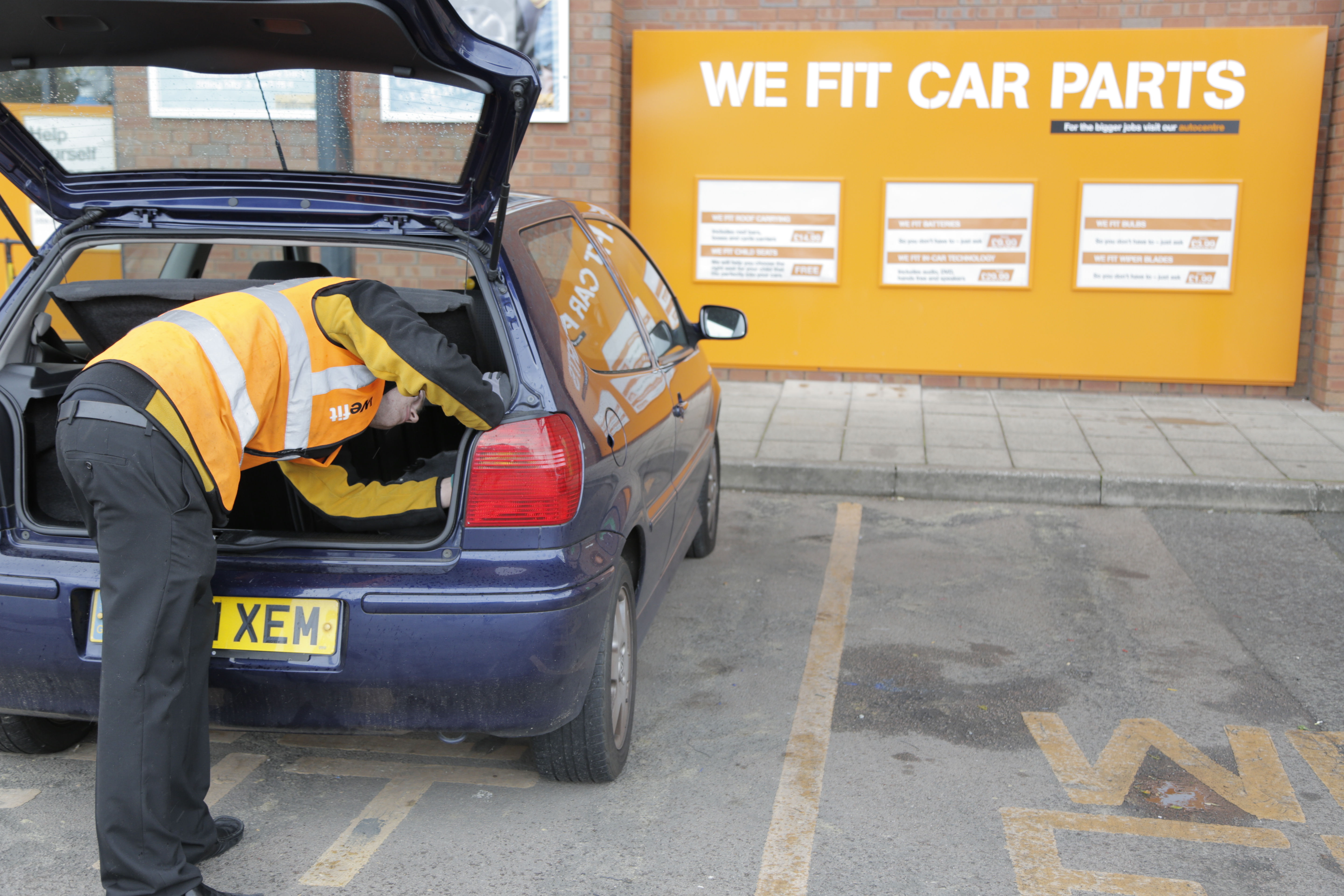 halfords bulb fit